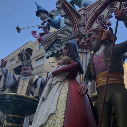 La Falla Vilanova revalida el premi al millor monument de Gandia