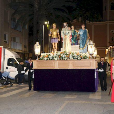 Las calles de Torrent se llenan de traslados y procesiones durante el Martes Santo